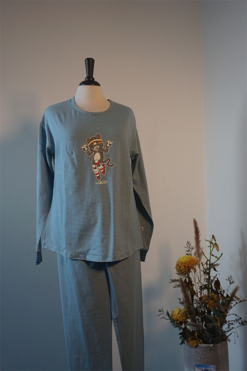 Pyjama dames - Woody - 202-1-PZG-Z/981 - grijs met kat gestreept